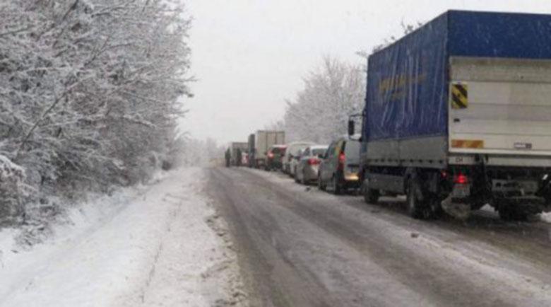 Автобус катастрофира на пътя между Русе и Бяла