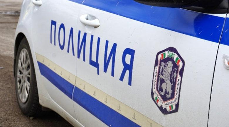 Мнимият полицай откраднал и 11 900 лева от друг пенсионер