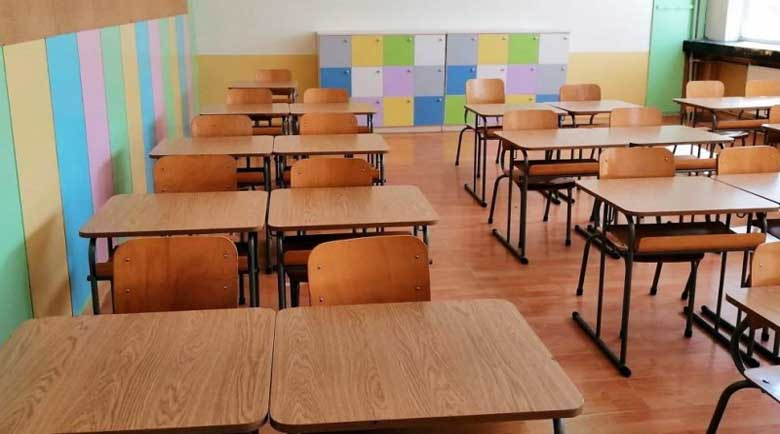 """Намалиха присъдата на школски шеф заради """"поскъпнал"""" автобус"""