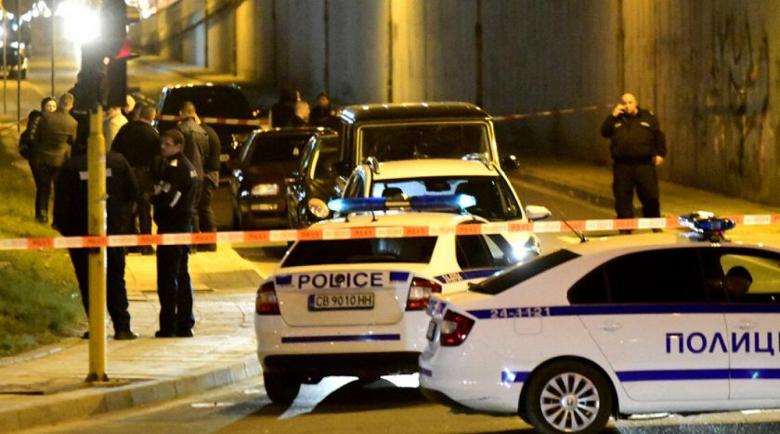 Версиите за убийството: Заловени пратки кокаин или конкуренция на автопазара?