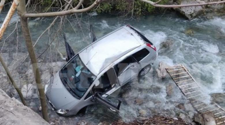 200 лева глоба за младежа, паднал с колата си в река Лева