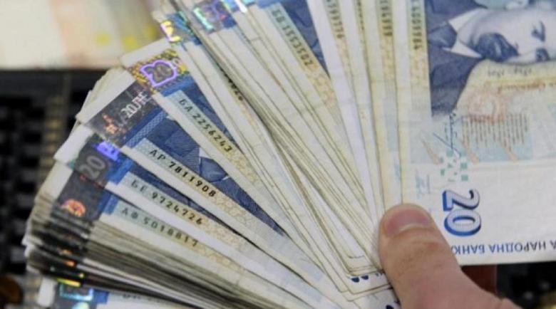 Ужилване в Сопот: Служителка си взима бързи кредити от името на клиенти
