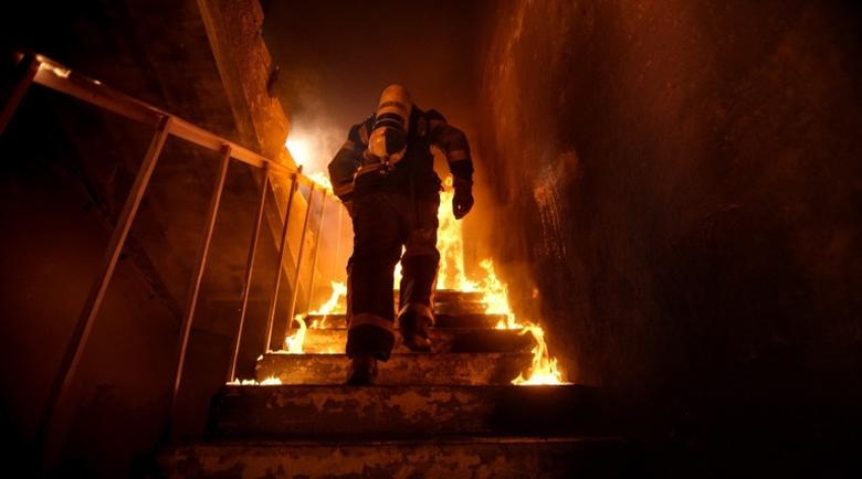 Майка и дете изгоряха живи в страшни писъци в Гърция
