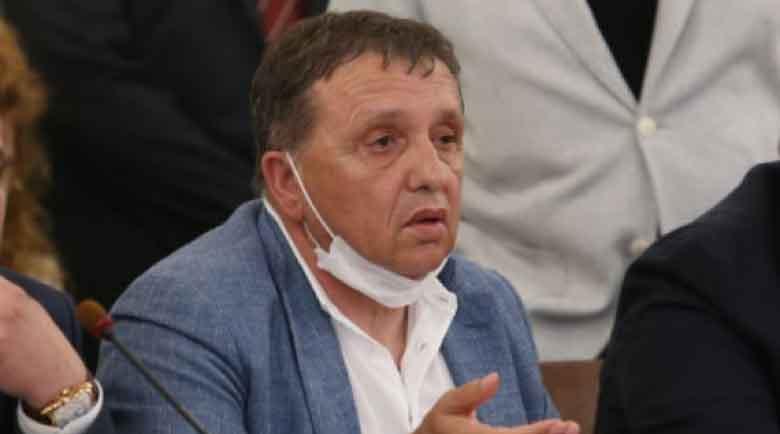 """Полицай дал 50 000 лева подкуп за прикриване на измами с ДДС на """"Градус"""""""