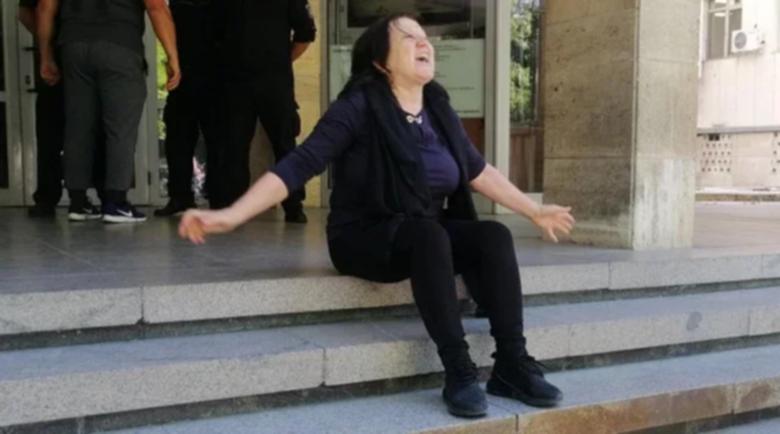 Почернена майка за свободата на Иво Лудия: Ще взема автомат и ще избия всички