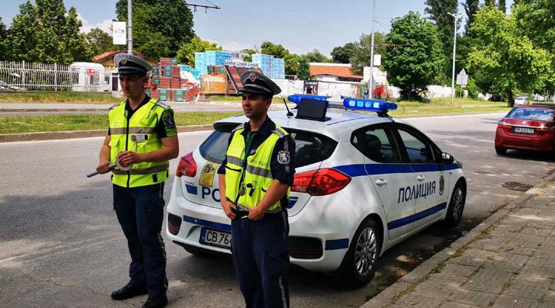 Дрогиран италианец катастрофира в дърво в Пловдив