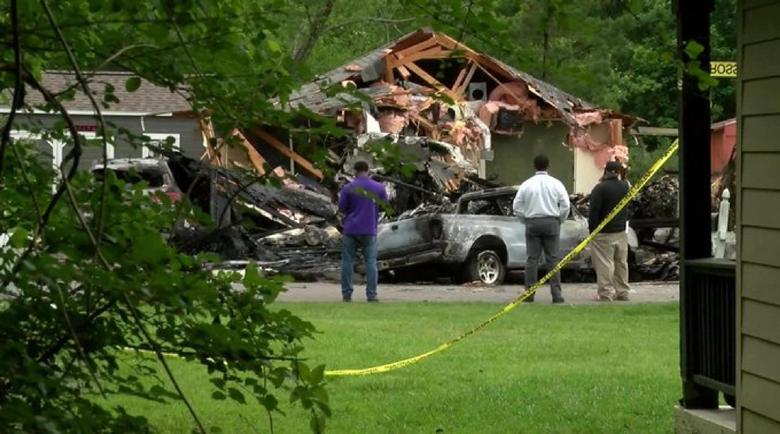 Самолет се разби в къща в Мисисипи