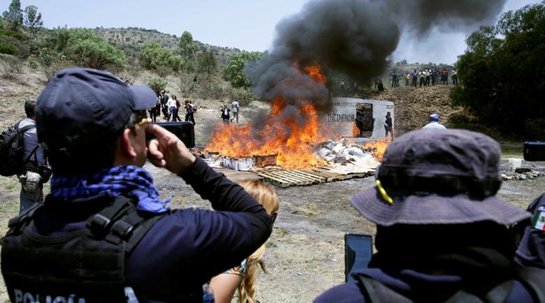 Ужас: Картелите в Мексико убиват полицаи по домовете