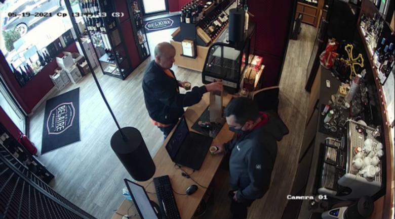 Ексмитничарят Петков със свой запис – как купува ром и пури за Узунов