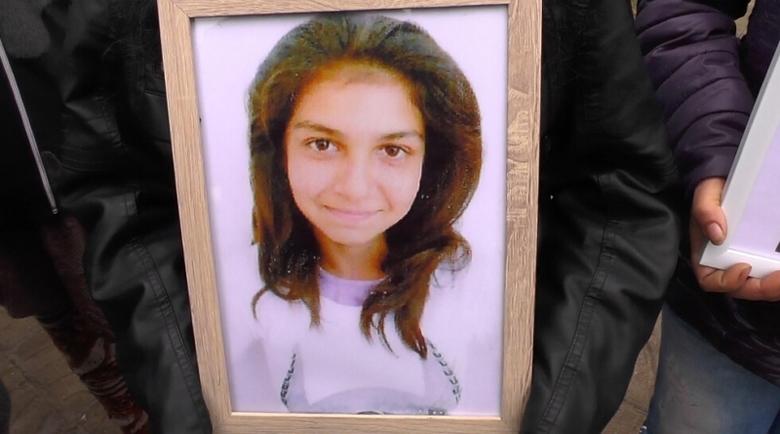 Вкарват в пандиза шофьора, убил 11-годишната Сара от Търнак