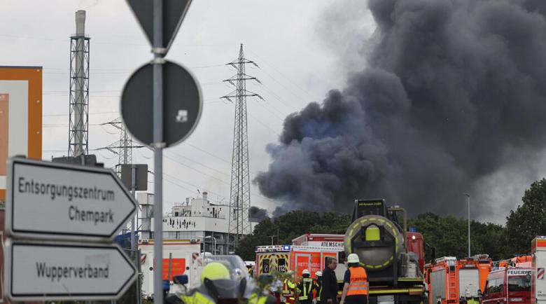 Петима са в неизвестност след експлозията в Леверкузен