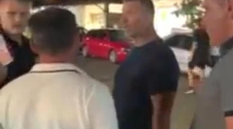 Кръчмар в Приморско заплаши да избие зъбите на клиент