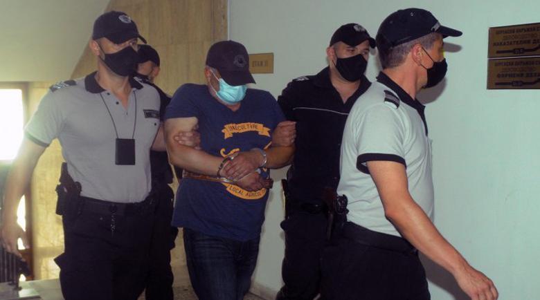 Бруталният килър Рагевски се хвалел, че си купува полицаи по 50 лева