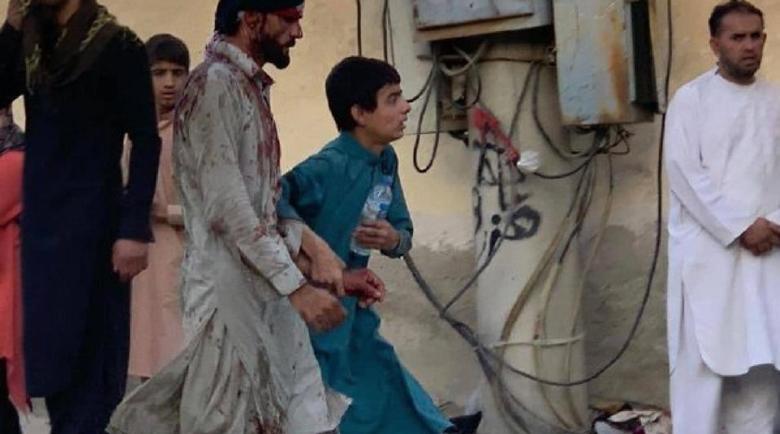 Терор на летището в Кабул – шахиди се самовзривиха в тълпата, много загинали