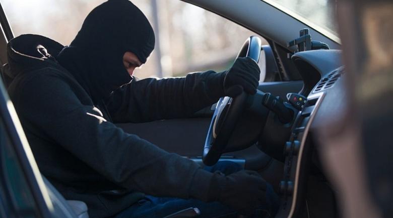 Дадоха на съд 16-годишен, опитал да открадне 2 коли от автосервиз