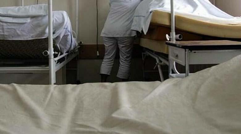 """Санитар в болница """"щипна"""" 200 лева от картата на възрастен пациент"""