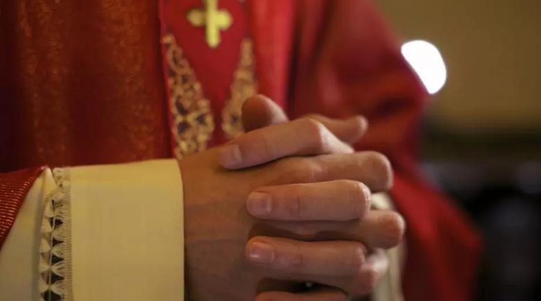Над 200 000 деца са били жертва на свещеници-педофили във Франция