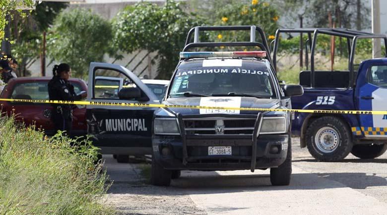 Банди се стреляха в курорт в Мексико, две туристки загинаха