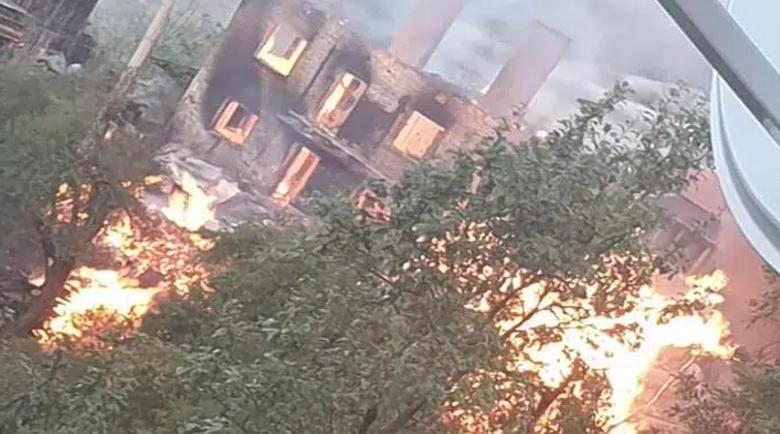 Пожар изпепели две къщи във велинградско село